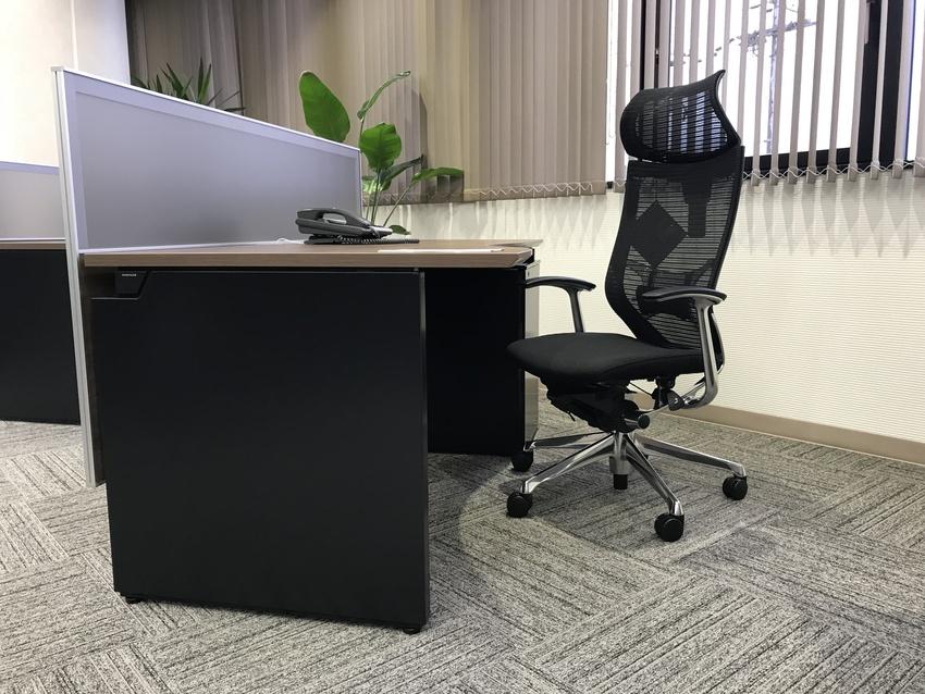 オフィス改装に伴う役員室オフィス家具の導入
