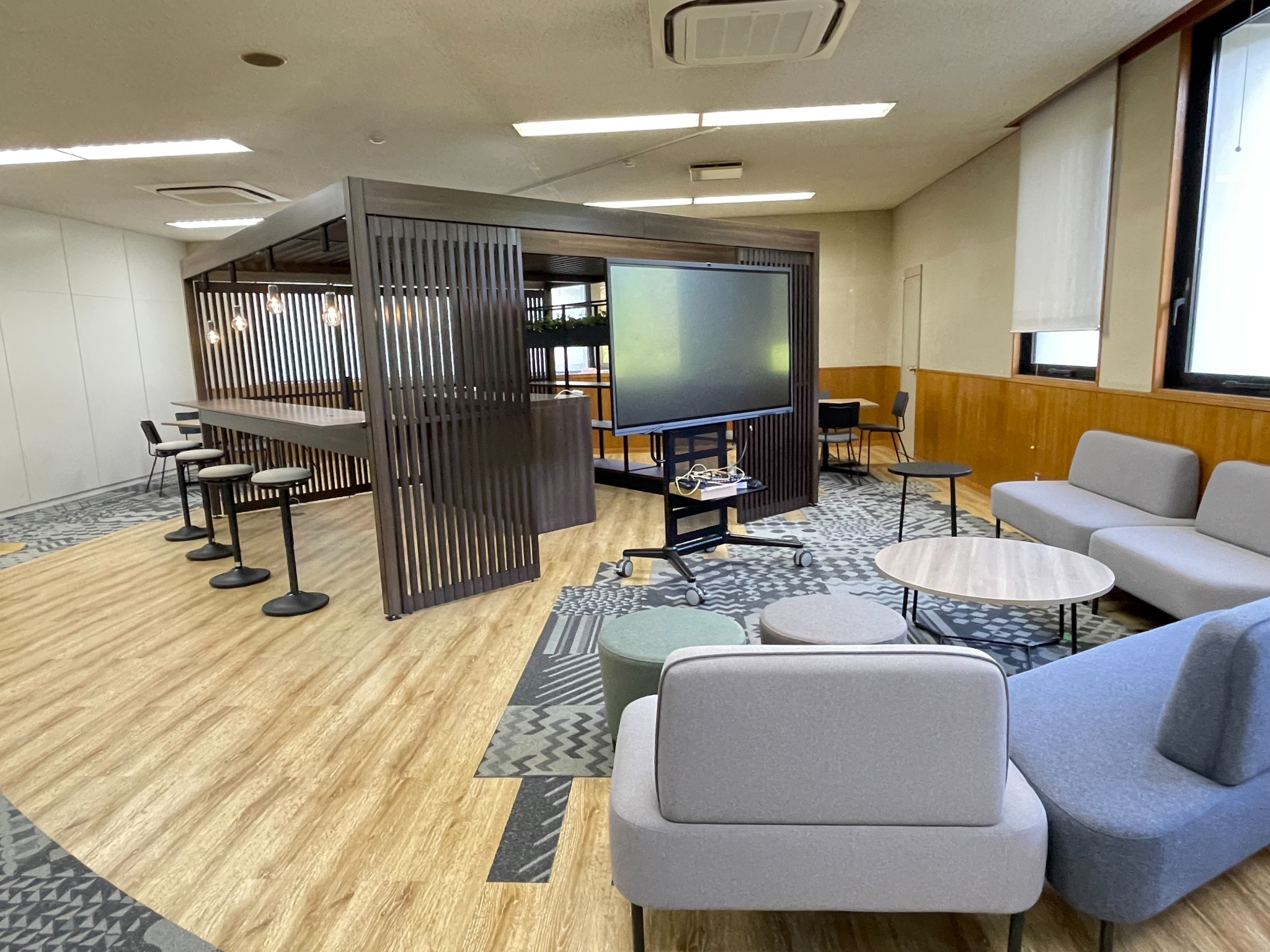 オープンオフィスに多様な空間を!